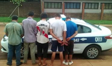 Varios detenidos y machetes secuestrados tras una gresca