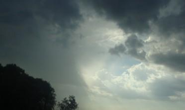 Anuncian lluvias y tormentas para este martes