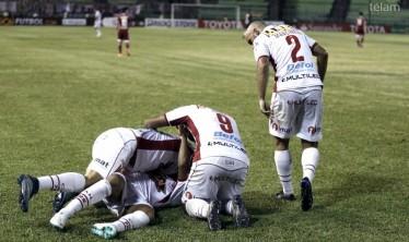 Huracán clasificó a la fase de grupos de la Libertadores con un gol agónico