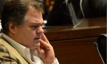 Pegoraro denuncia discriminación en la UCR