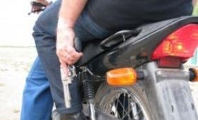 Motochorros robaron 116 mil pesos a una mujer