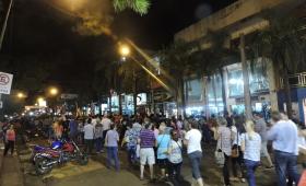 Mil personas marcharon en defensa de la Fiesta Nacional del Inmigrante