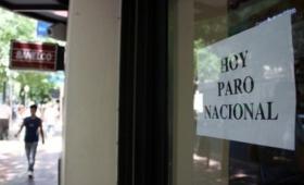Bancarios adhieren al paro, pero no se movilizan