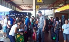 Fin de semana largo: intenso movimiento en la Terminal de Ómnibus