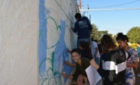 """Estudiantes pintaron mural basado en """"Cuentos de la Selva"""", de Horacio Quiroga"""