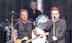 Springsteen y Bono cantan juntos 'Because the Night'