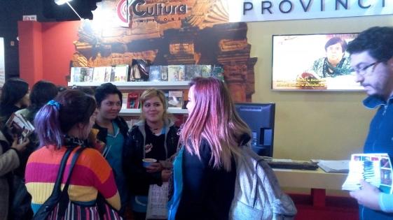 Feria del Libro: Escritores firman y presentan sus obras en el stand de Misiones