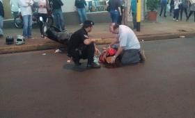 Motociclista embistió a un peatón en avenida Uruguay