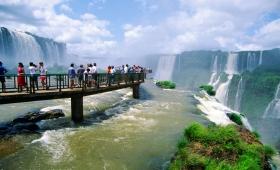 Intenso movimiento turístico en Iguazú