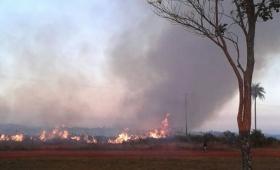 Incendio de grandes dimensiones en zona oeste