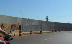 """""""El muro de la EBY se tiene que demoler"""""""