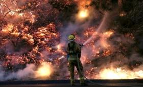 Video: se incendió una casa abandonada