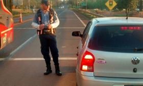 Conductor intentó coimear a policías en un control vial y terminó detenido