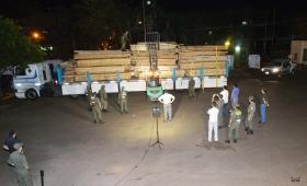 Secuestran cuatro toneladas de droga oculta en madera