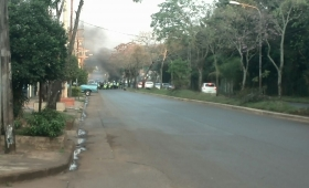 Quejas por baches y zanjas en avenida Domínguez