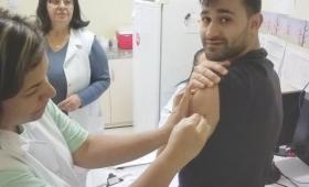 En Foz vacunaron contra el Dengue, pero solo a brasileños