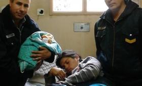 Policías ayudaron en un parto