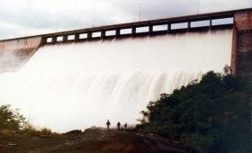 Según el Gobierno, hacen falta 7 represas como Urugua-í