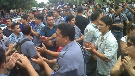 """""""Los policías están en una situación económica crítica"""""""