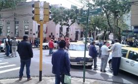 Propietarios de taxis protestan contra el blanqueo de choferes