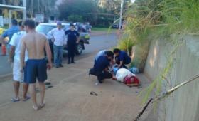 Motociclista atropelló a un peatón y huyó