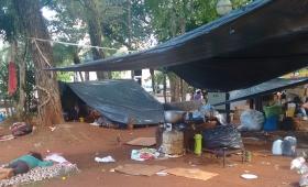 Plaza 9 de julio, un campamento tarefero