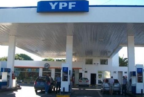 YPF bajó el precio de la nafta