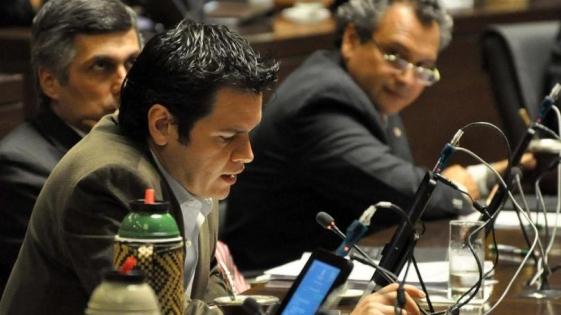 Diputados radicales buscan limpiar su imagen tras el tibio rechazo a Rovira