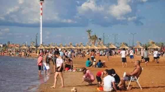 Por día, hay más de 5 mil bañistas en las playas