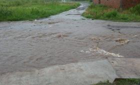 Mal estado de calles y veredas en Villa Poujade