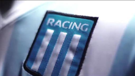 """Racing y una camiseta """"bendecida"""" por un histórico ídolo"""