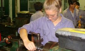 Escuelas técnicas en  alerta por posible recorte de fondos