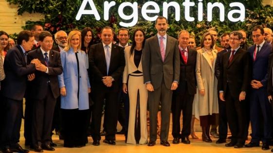 FITUR 2017: Santos recibió a los Reyes de España en el stand de Argentina