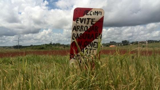 Terrenos abandonados en barrio Sur Argentino