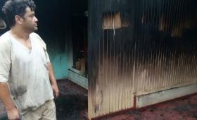 Volver a empezar: incendio destruyó la casa de un enfermero