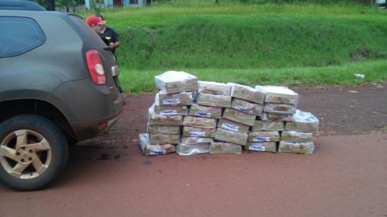 Secuestraron vehículo sin documentos que circulaba con pollos contrabandeados