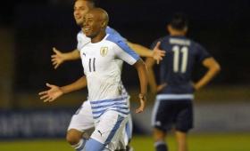 Uruguay goleó a Argentina en el inicio del hexagonal