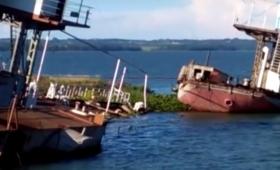 Los ferrys, abandonados y olvidados en la costa