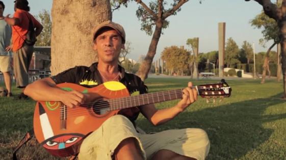 Manu Chao regresa con tres nuevos videos