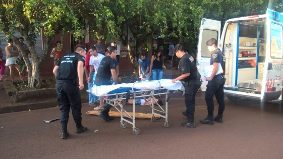 Triple colisión deja motociclistas fracturados en Apóstoles