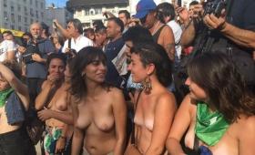 """Tetazo en el Obelisco por """"la soberanía de los cuerpos"""""""