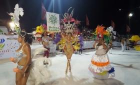 Una multitud disfrutó de los carnavales posadeños