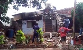 Un cortocircuito le incendió la casa
