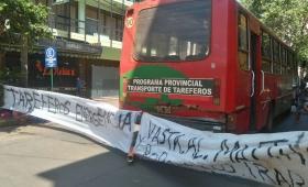 Tareferos bloquearon el ingreso al INYM