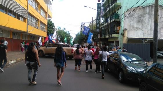 Tareferos exigen un bono de $4 mil y protestan frente al INYM