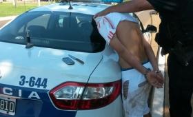 A puntazos se resistió a un arresto