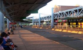 Empleado vendía boletos truchos en terminal de transferencia