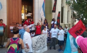 Confirman descuentos a maestros en huelga
