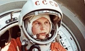 Cumple 80 años la primera mujer que viajó al espacio