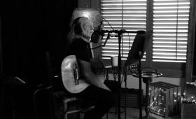 'It Gets Easier', video de Willie Nelson